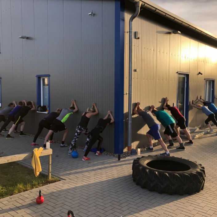 Outdoor Bootcamp Stretching