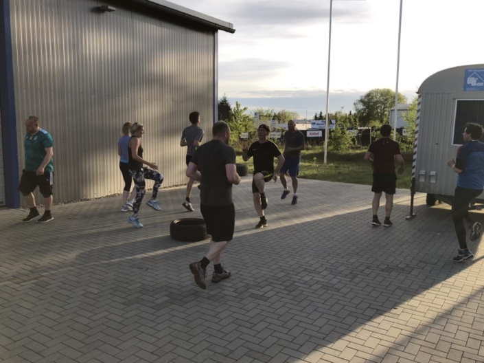 Outdoor Bootcamp Training Gruppe